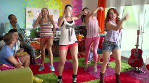 danse wii - people playing just dance wii